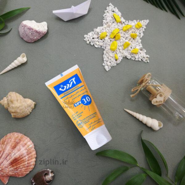 کرم ضد آفتاب مرطوب کننده SPF 30 آردن