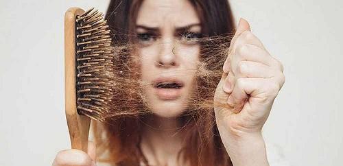 مقابله با کار ریزش مو