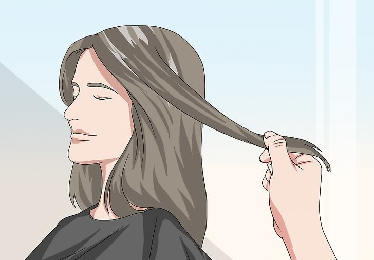 موهایتان را برای زدن ماسک به قسمت های مختلف تقسیم کنید