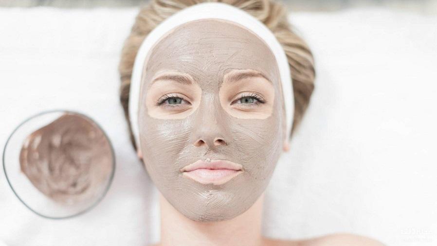 استفاده از خاک رس برای بستن منافذ پوست