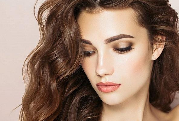 رنگ موی قهوه ای بلوطی (رنگ مو طبیعی)