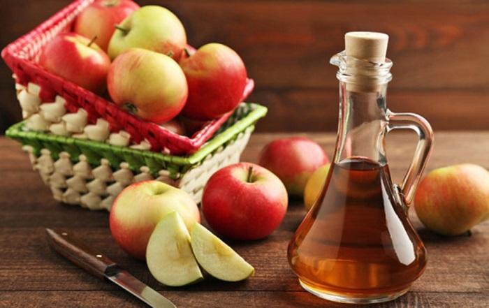صاف کردن مو با استفاده از سرکه سیب