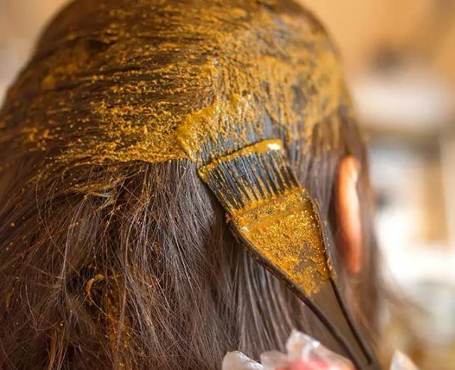 رنگ گیاهی مو با حنا