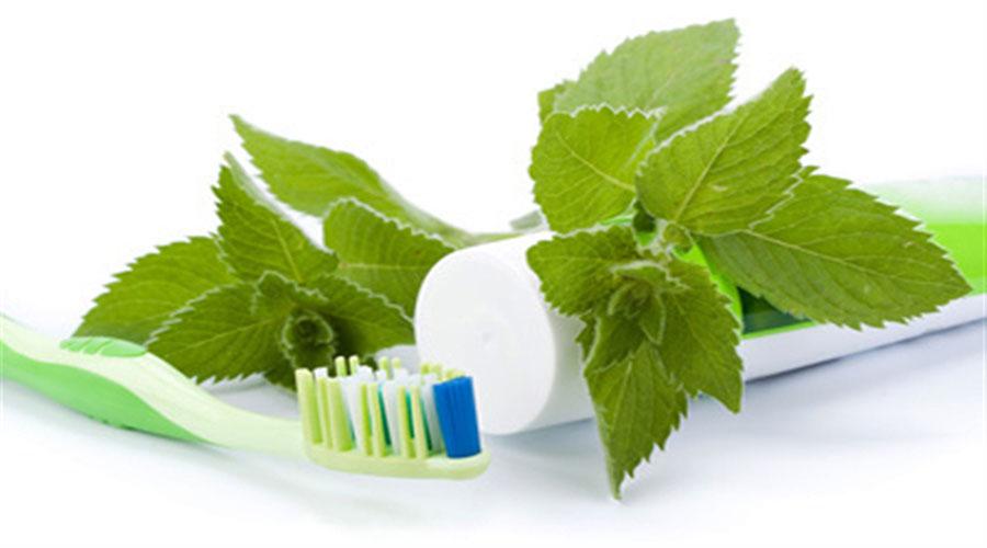 دهان شوی طبیعی و گیاهی