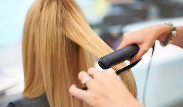 صاف کردن مو با اتو