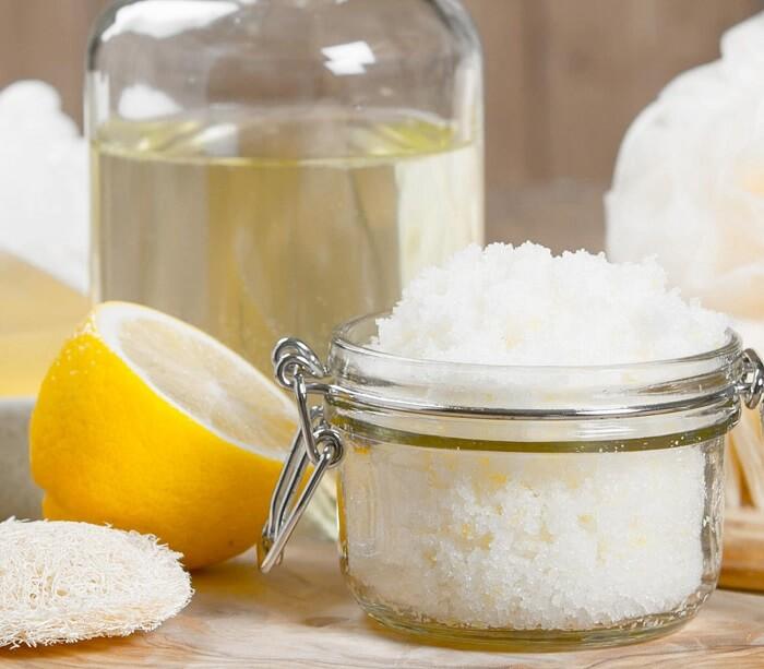 جوانسازی پوست دست با آب لیمو و شکر