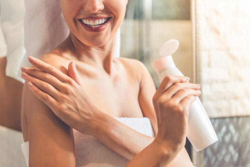 حفظ رطوبت پوست با استفاده از مرطوب کننده ها