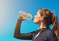 در مان نازکی پوست صورت با نوشیدن آب