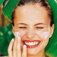 نازکی پوست صورت بر اثر اشعه UV