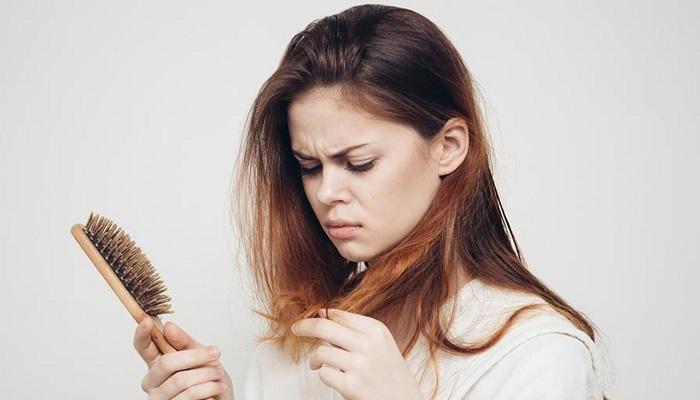 ریزش مو در اثر کمبود بیوتین