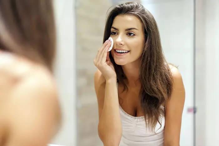پاک کردن آرایش با روغن زیتون