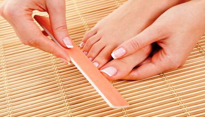 شکل دهی ناخن های پا