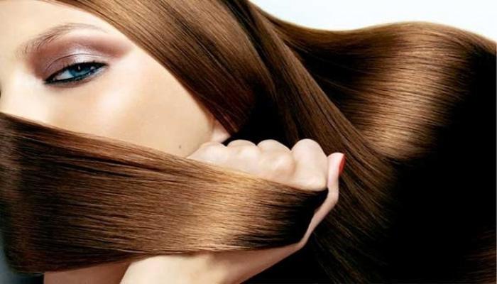 شانه زدن صحیح، باعث حفظ درخشش مو می شود.