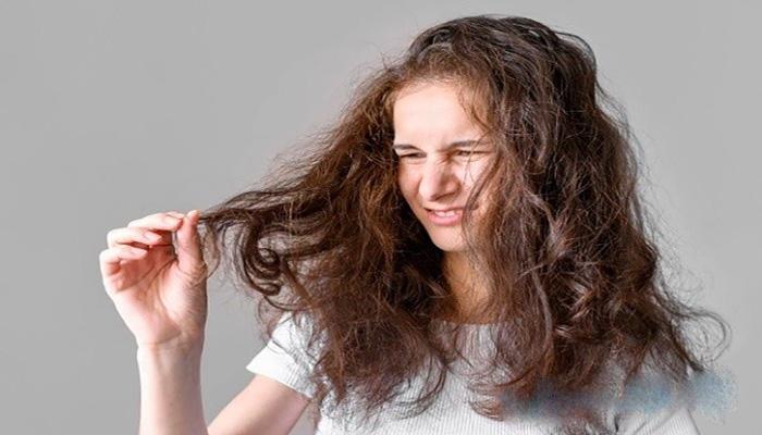 جلوگیری از گره خوردگی مو با شانه زدن