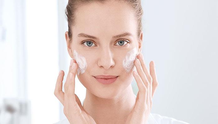 استفاده از مرطوب کننده بعد از ماسک حباب