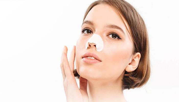 استفاده از نوارهای پاک سازی منافذ باز پوستی