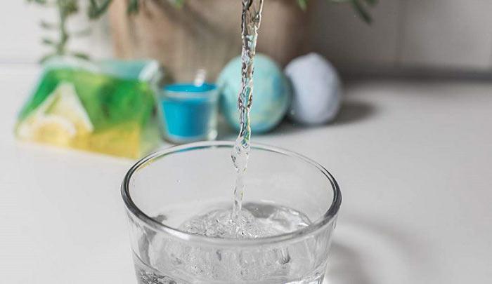 گلیسیرین را قبل از استفاده با آب یا گلاب رقیق کنید.