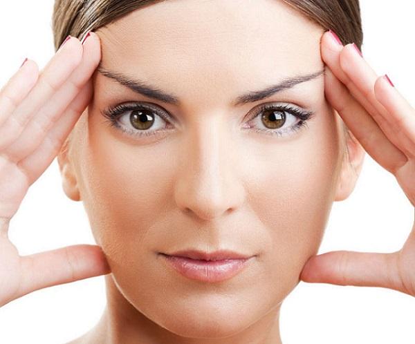سرم ویتامین سی از افتادگی پوست جلوگیری می کند
