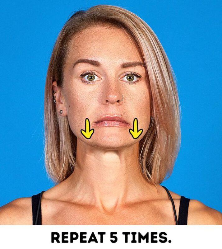 حرکت سوم ورزش لاغری صورت